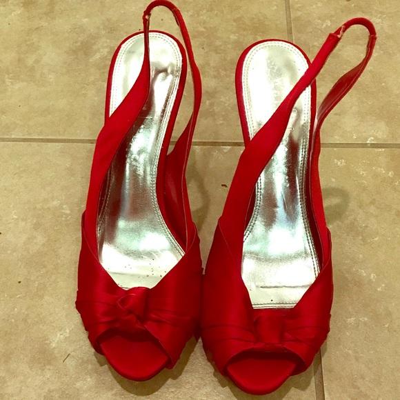 fb93f3ac3e6d4 White House Black Market Shoes